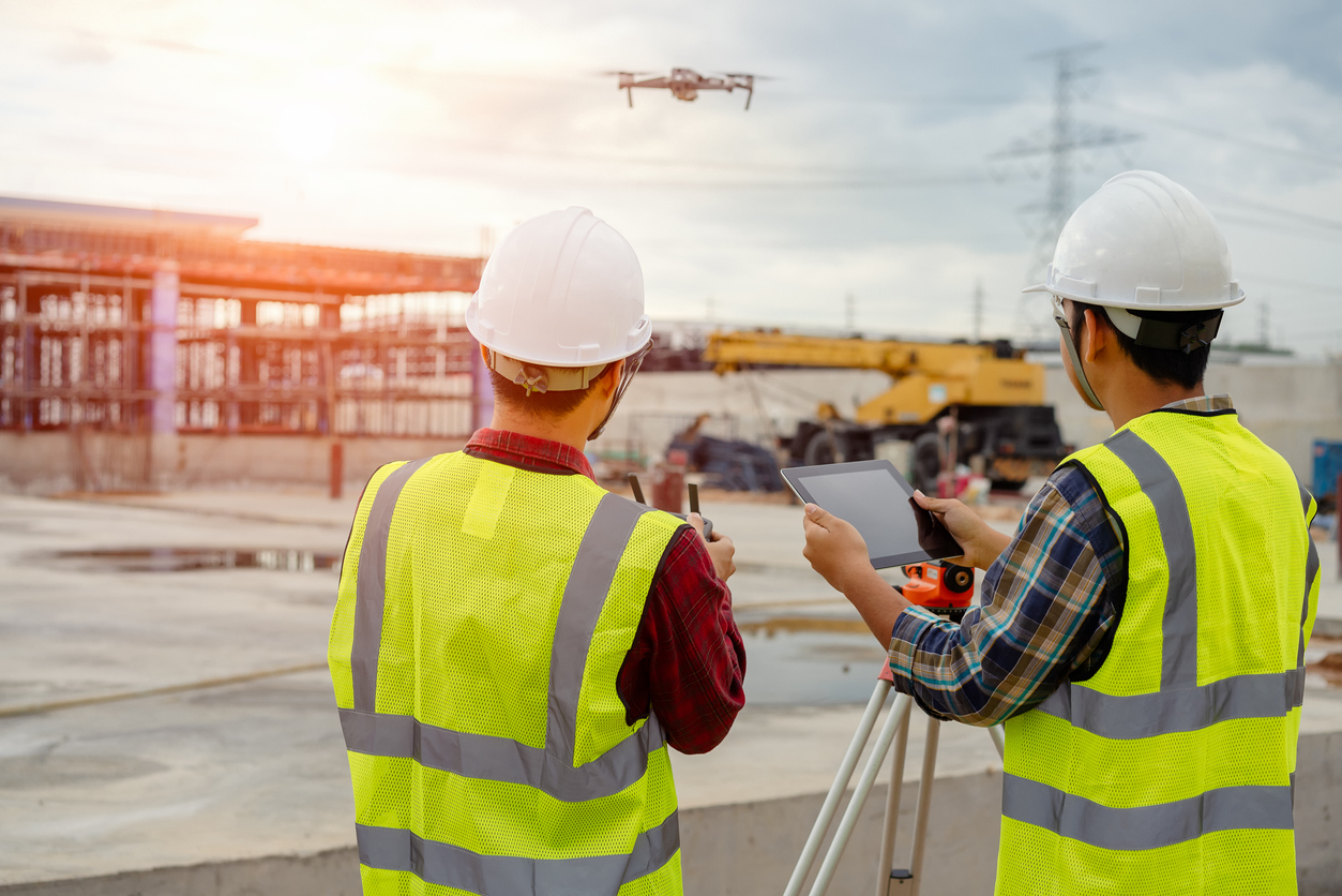construction-worker-with-drone