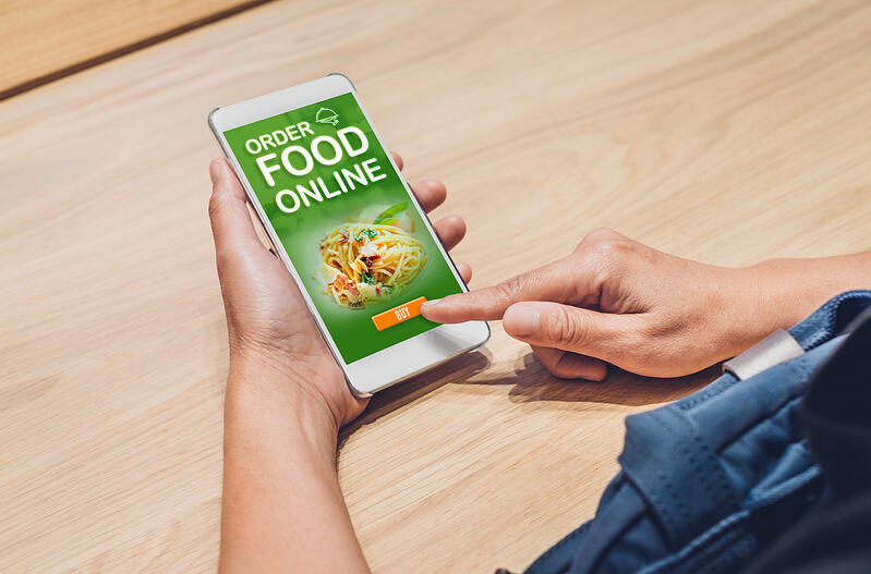 People order food online with mobile apps