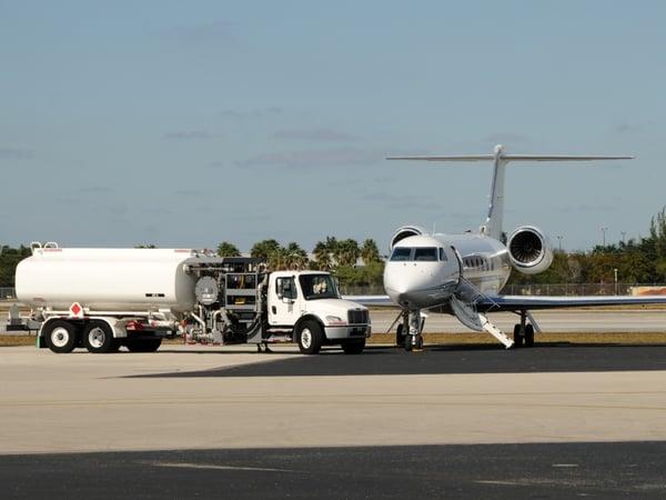 jet-airplane-still-on-the-ground