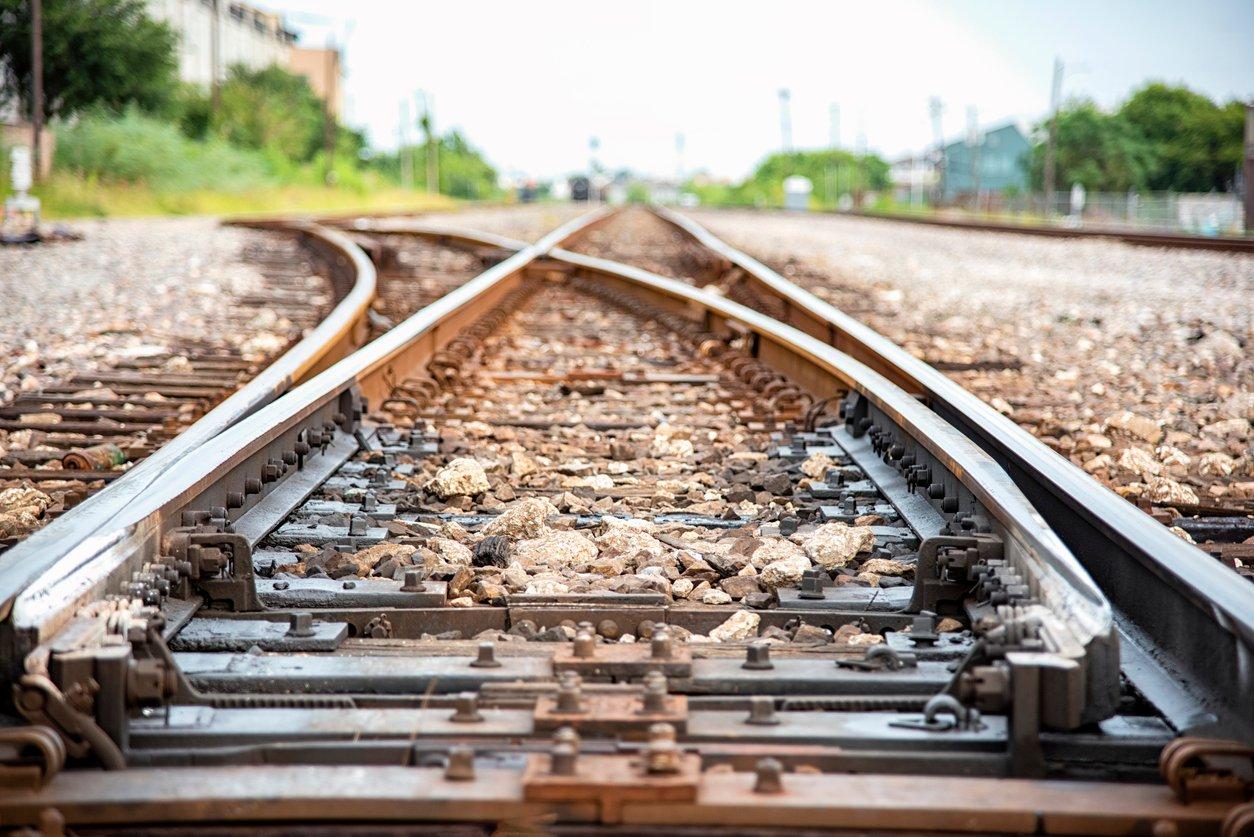 railroad-track-switch