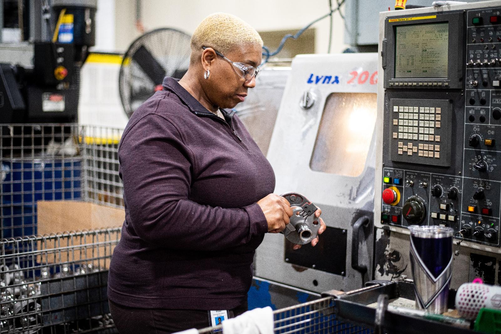 machinist-measuring-inspecting-part_Dixon