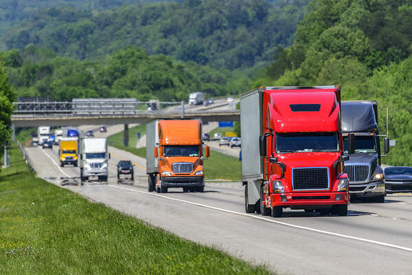 heavy-traffic-on-the-interstate-highway