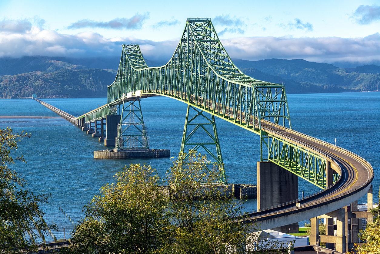 astoria-megler-truss-bridge