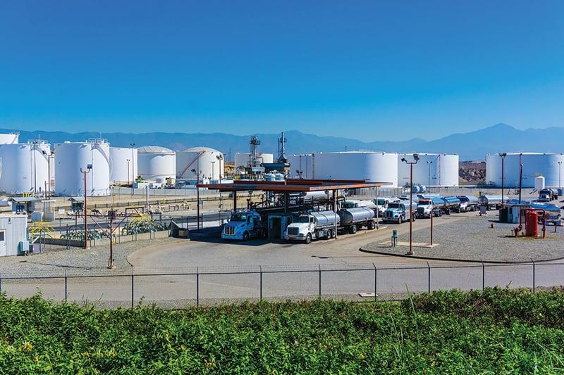 fuel-tankers-refueling