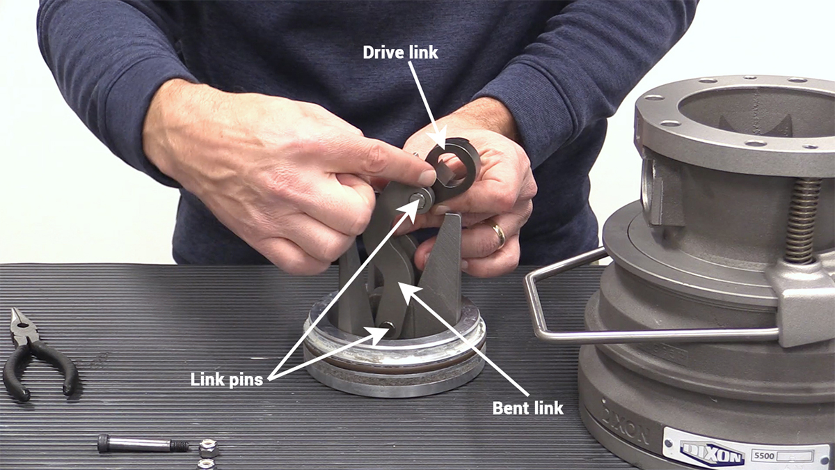 disassembly-step-four-link-inspection