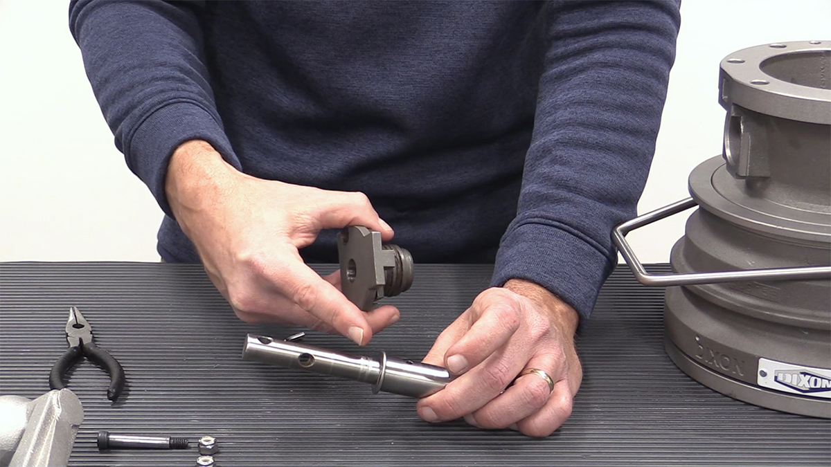 disassembly-step-three-shaft-stop
